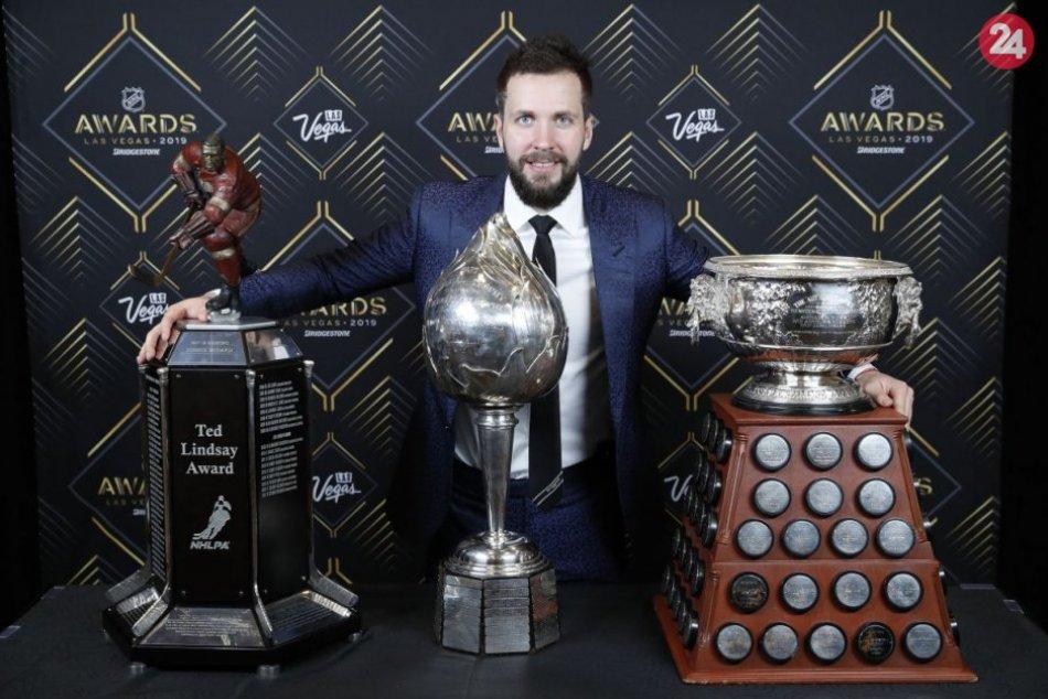 Kučerov kraľoval odovzdávaniu cien NHL
