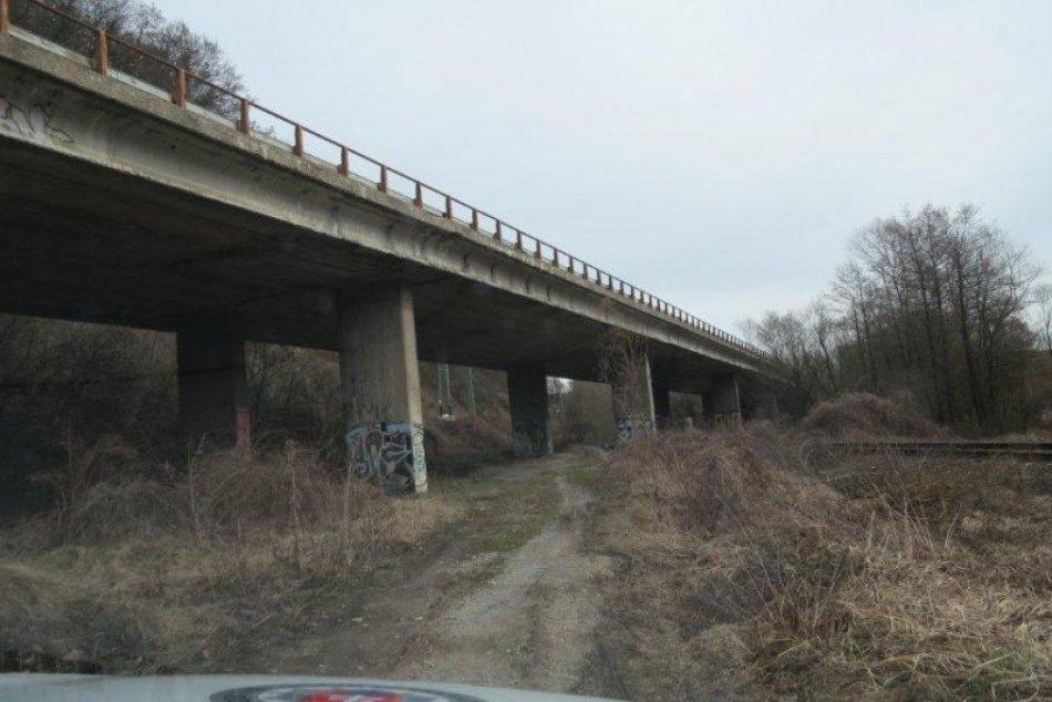 Upozornenie vodičov na uzávierku cesty č. I/66