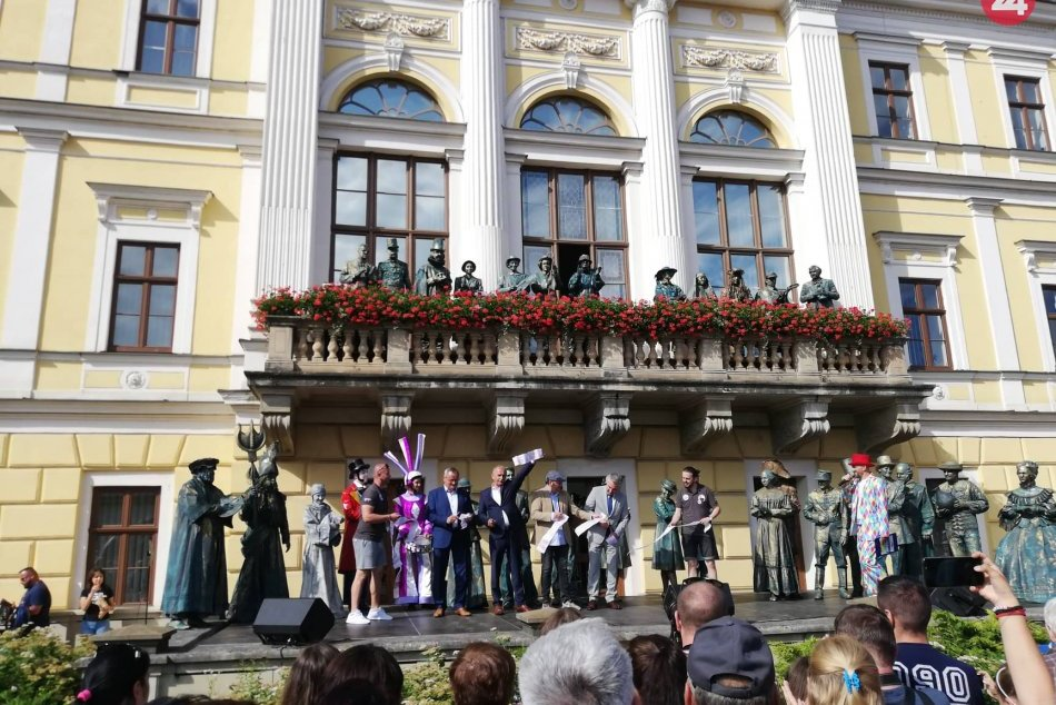 Naše mesto zažilo 3. ročník festivalu Živé sochy: Pozrite si to na FOTKÁCH