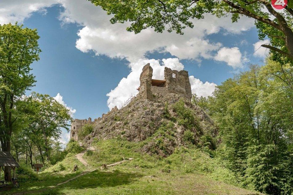 Letné zábery zo Šášovského hradu: Hneď začnete chystať výlet