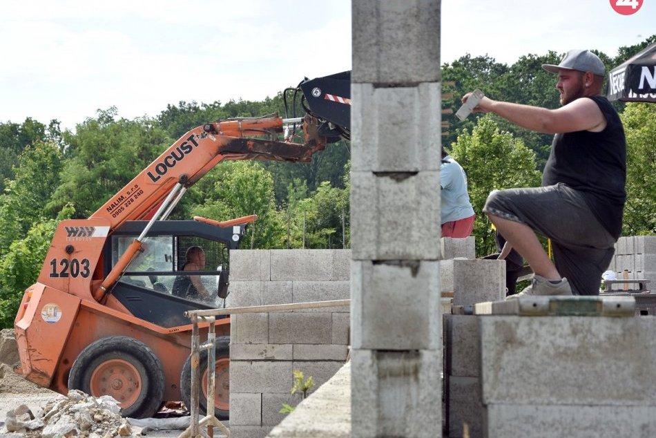Obnova amfiteatru pri Dargove