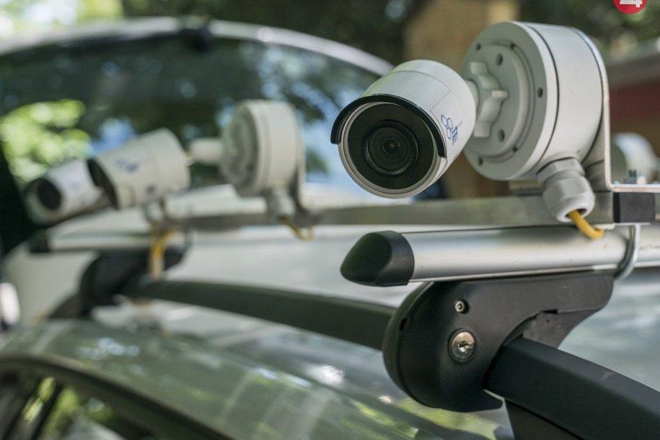 Bratislavská mestská polícia má vozidlo na monitorovanie parkovania