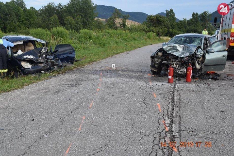 Obrazom: Čelná zrážka a tri ťažké zranenia