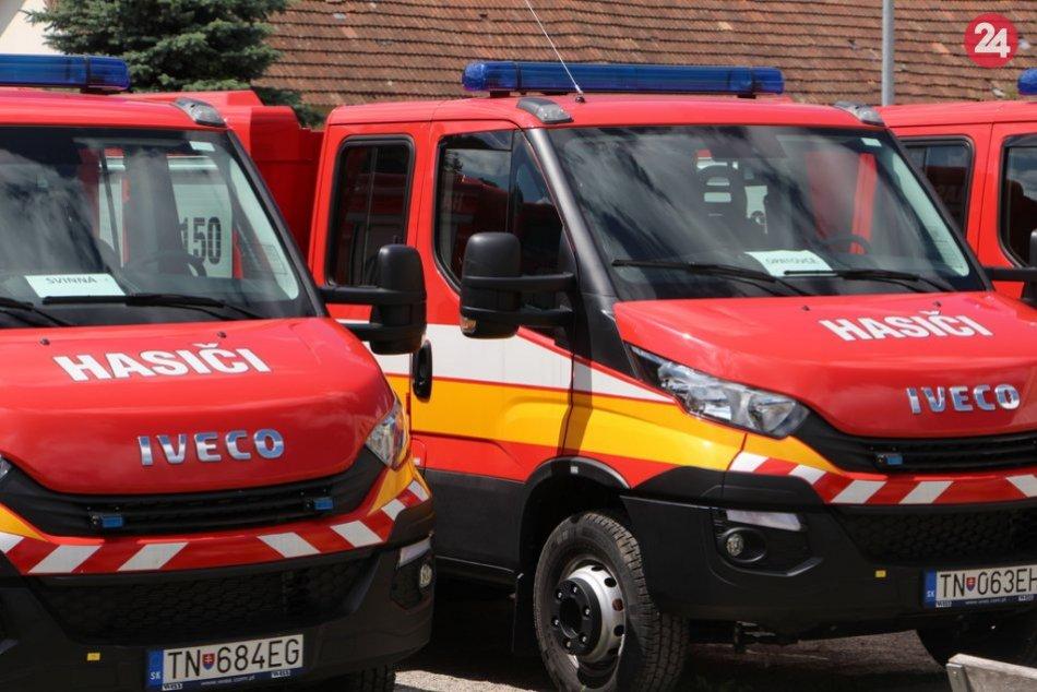 Ministerka vnútra Saková odovzdala v okrese Trenčín nové vozidlá siedmim DHZ