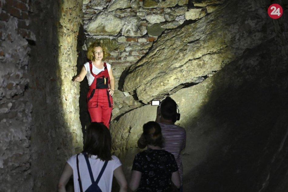 Prebádali nesprístupnené priestory Bojnického zámku