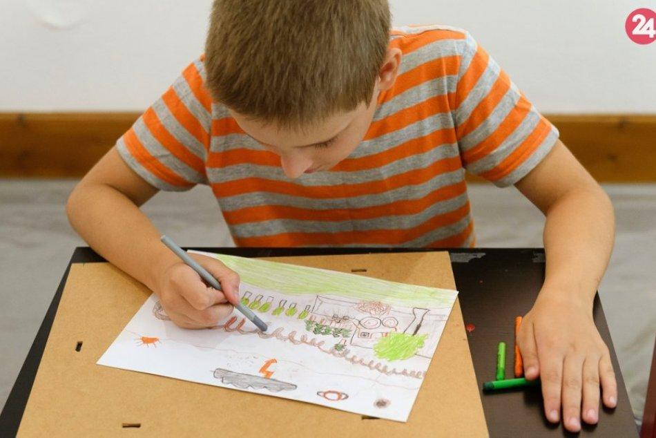 Deti zaplnili Nitriansku galériu: Čas im kráti prázdninové maľovanie