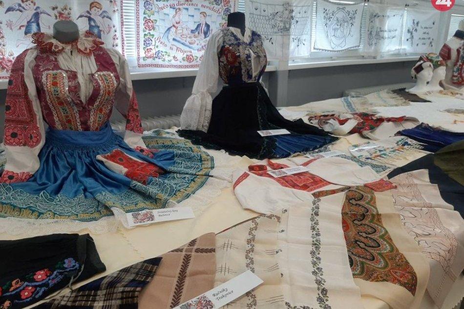 Leopoldovské hody nielen o kolotočoch: Nenechajte si ujsť pútavú výstavu krojov