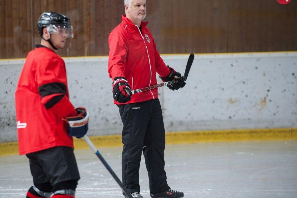 V OBRAZOCH: Úvodný tréning baranov na ľade pred začiatkom novej sezóny