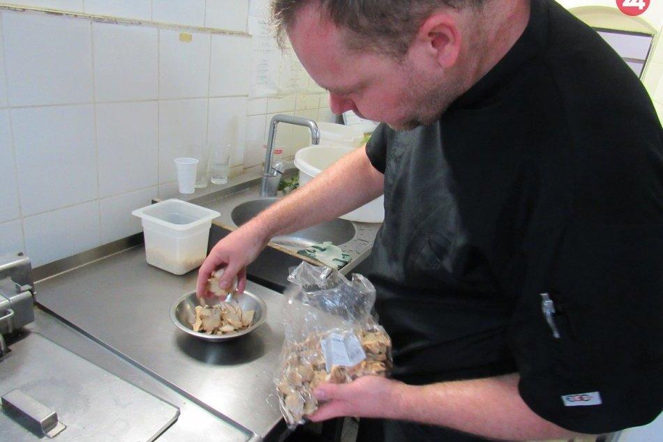 V OBRAZOCH: Prešovský séfkuchár v akcii, pripravoval naj jedlo zo Šariša