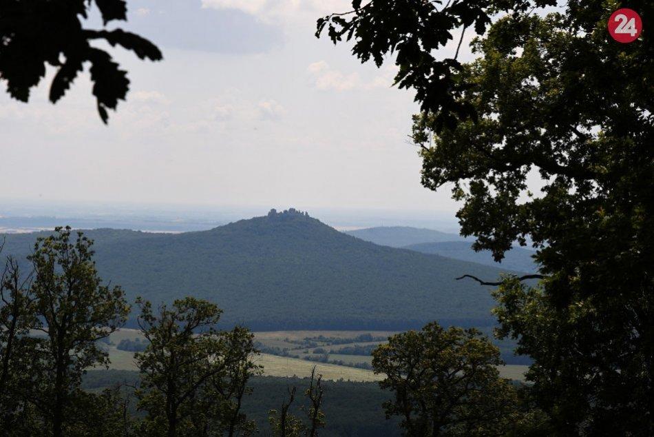 Príroda pri Nitre prilákala aj turistov zo Strečna: Vydali sa pokoriť Tribeč, FO