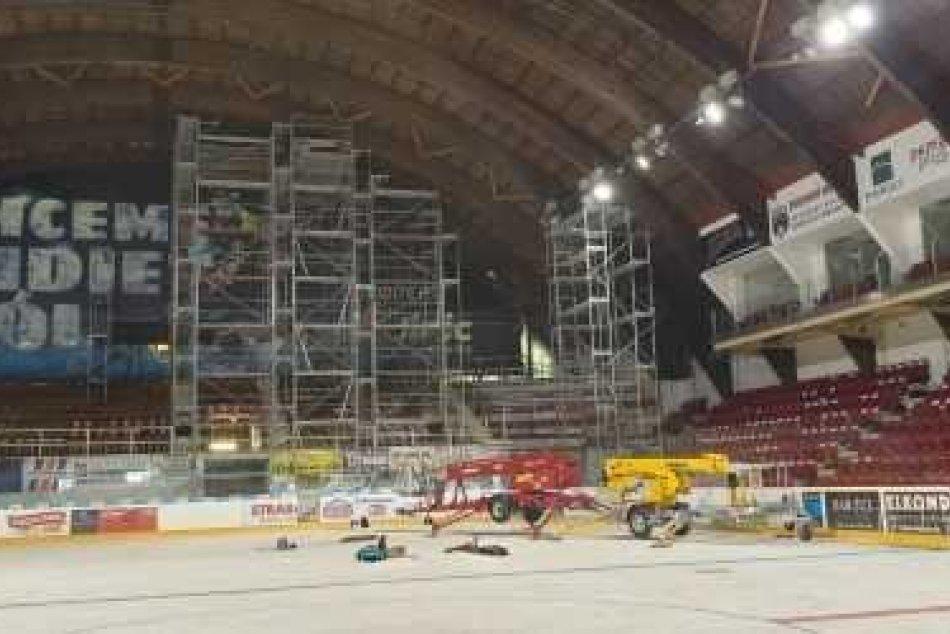 V OBRAZOCH: Rekonštrukčné práce na zimnom štadióne v Bystrici