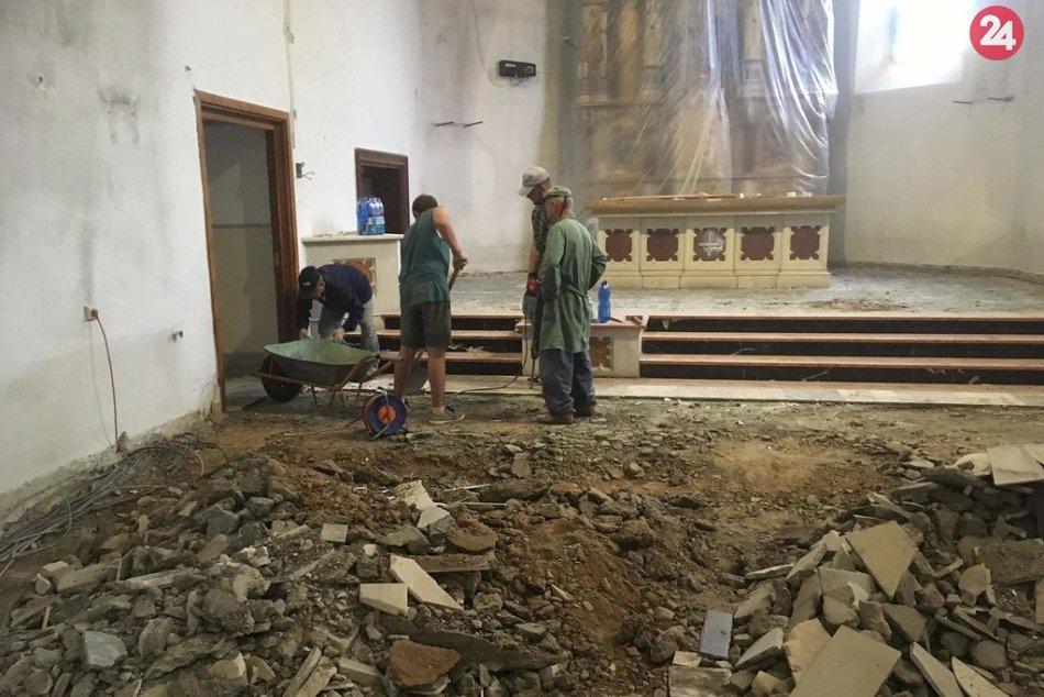 V Humennom prebieha renovácia farského kostola: Pozrite si fotky z miesta