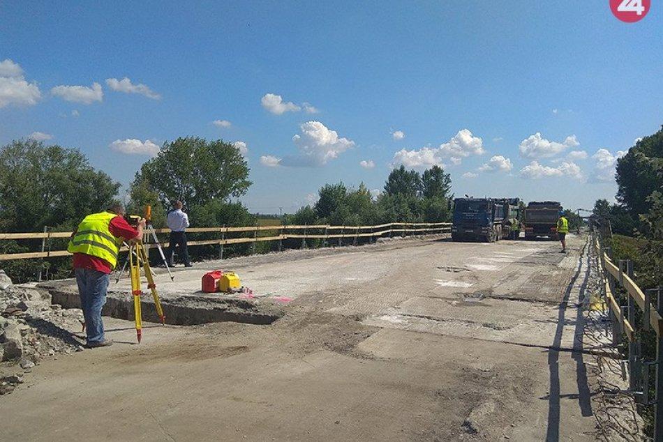Kontrolné merania na rekonštruovanom moste pri Štrande v Nových Zámkoch