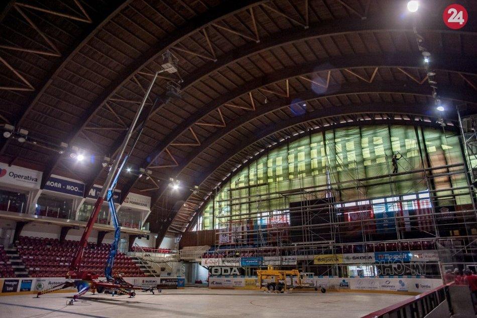 V OBRAZOCH: Rekonštrukcia zimného štadióna v Banskej Bystrici