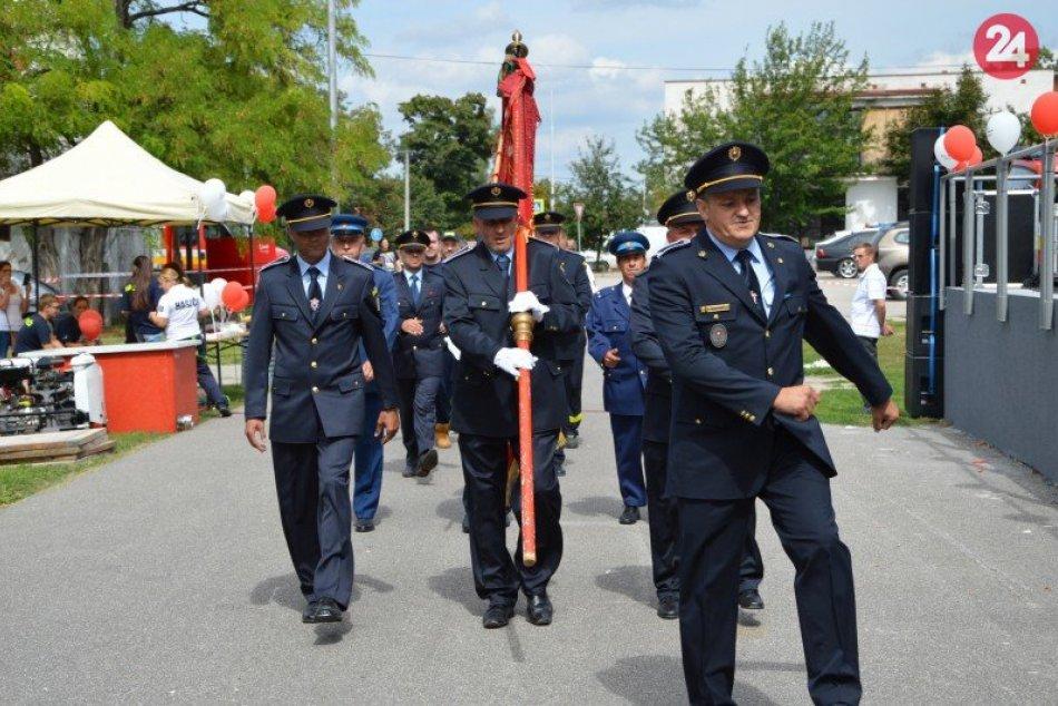 Večianski hasiči oslavovali:140. výročie s plaketami, FOTO