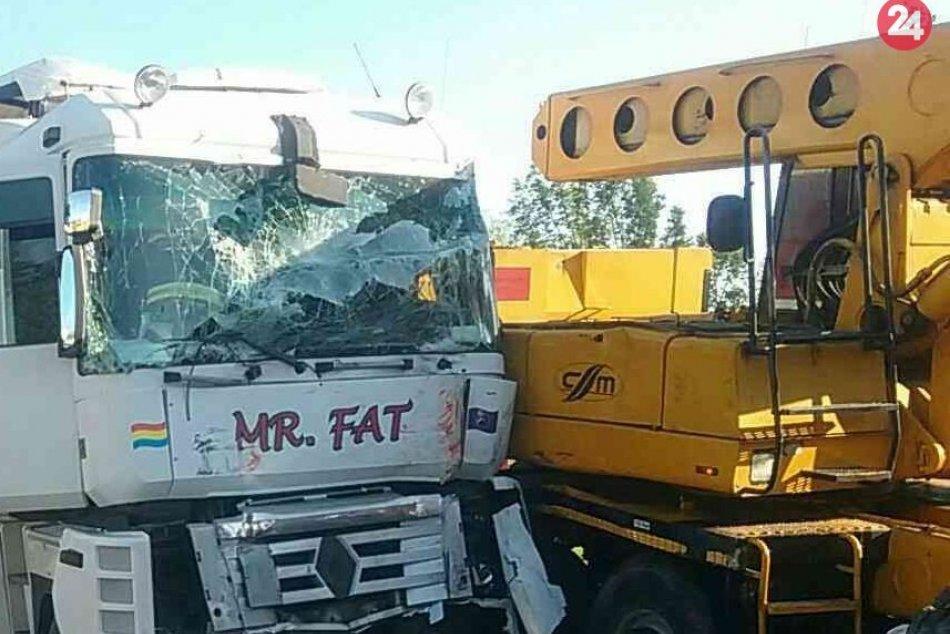 FOTO priamo z miesta nehody v Prievidzi: Vyžiadala si troch zranených