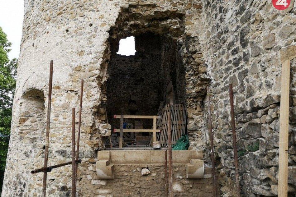 Nový portál na Považskom hrade: Takto postupne vznikol