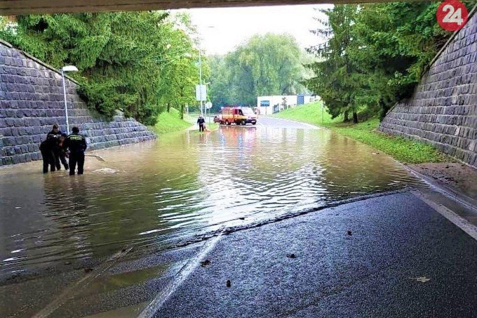 Považskobystrický podjazd bol zatopený: Takto to tam vyzeralo