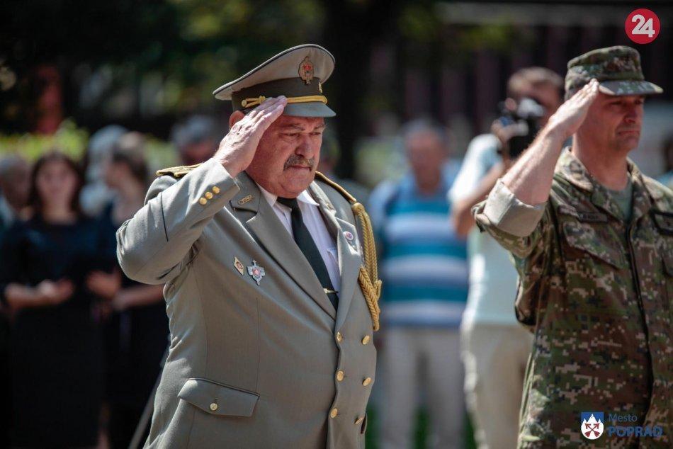 Pietny akt kladenia vencov v Poprade pri príležitosti 75. výročia SNP
