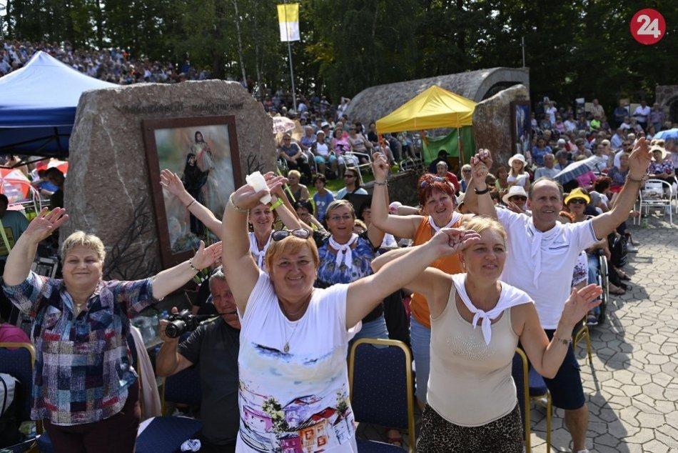 FOTO z púte do Skalného sanktuária Božieho milosrdenstva na hore Butkov