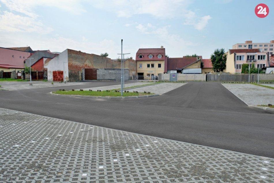 Otvorenie centrálneho parkoviska v Brezne