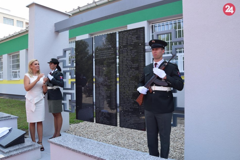 V Lučenci odhalili prvý pamätník príslušníkom bezpečnostných zborov