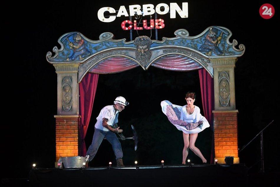 Štiavnica sa premenila na pouličný kabaret: MOMENTY z festivalu Amplión