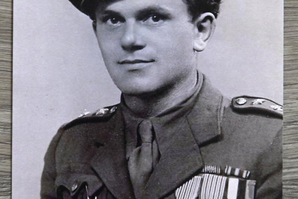 Vyznamenaný partizán Michal Hanák z Trenčína na FOTO z roku 1946