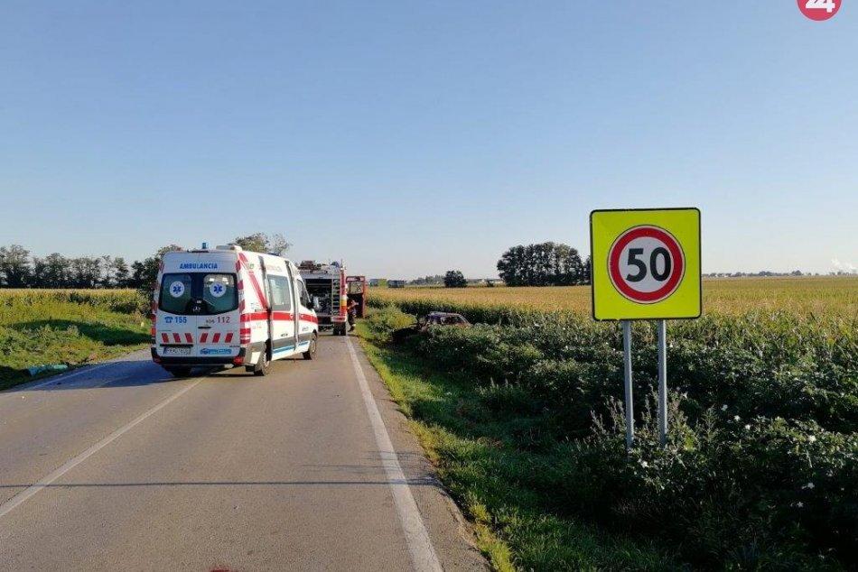 Pri Farárskom došlo k zrážke osobného auta s autobusom