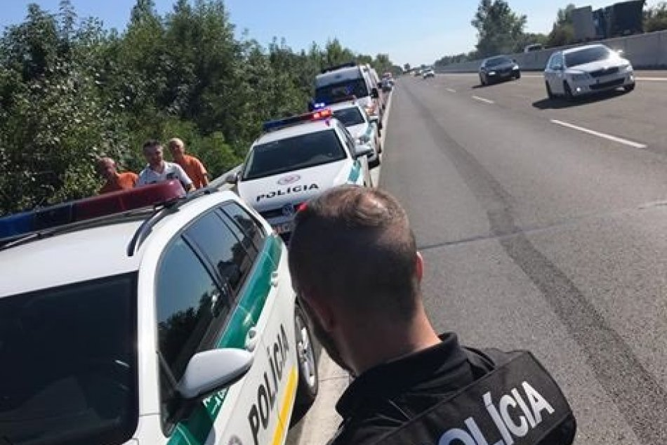 Bratislavčan rozbíjal autá na diaľnici D1