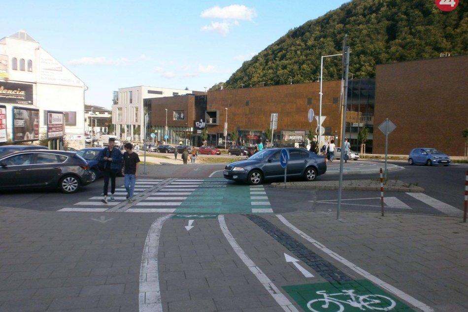 V OBRAZOCH: Osvetovo-vzdelávacie podujatie Chodci versus cyklisti na Huštáku
