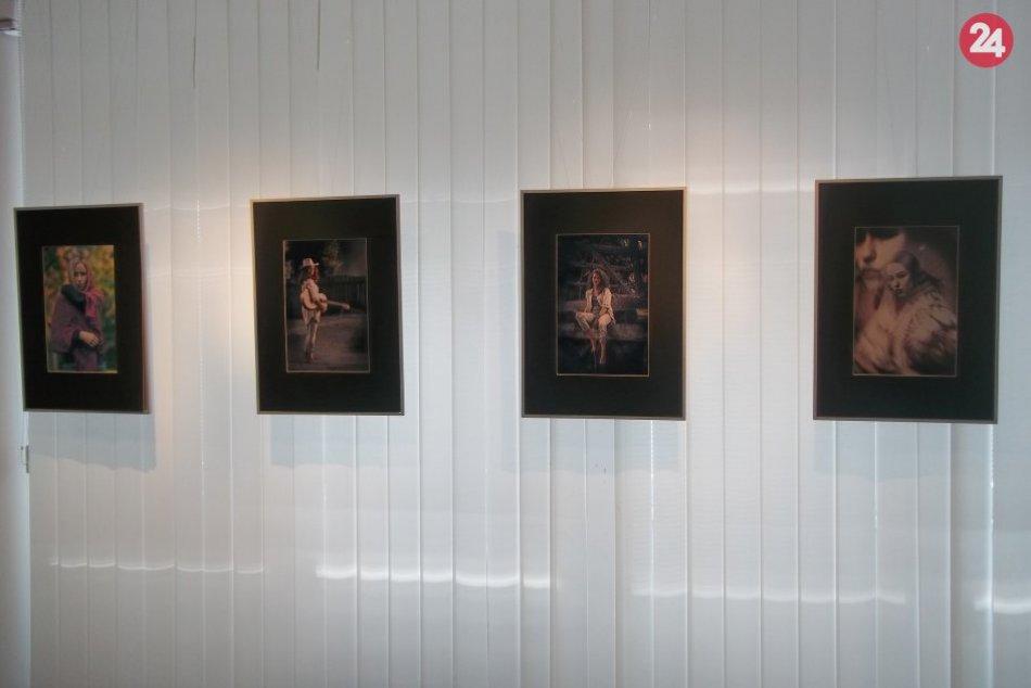Vo Večierke vystavuje Attila Mészaros: Nenechajte si ujsť jeho Fotodekádu, FOTO