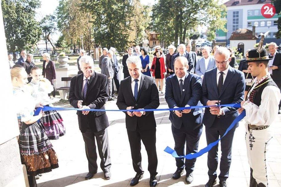 GALÉRIA: Slávnostné otvorenie Zemplínskeho múzea zachytené na ZÁBEROCH