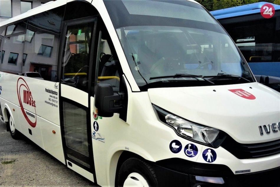 MHD v Považskej Bystrici s novými midibusmi: Pozrite si ich interiér aj exteriér