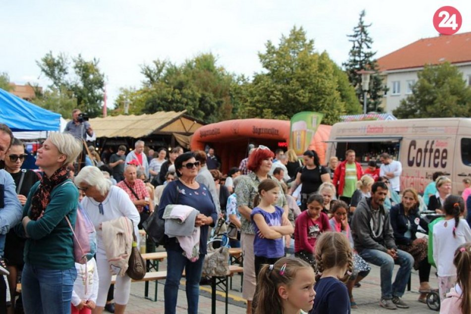 25. ročník Novozámockého festivalu detských folklórnych súborov