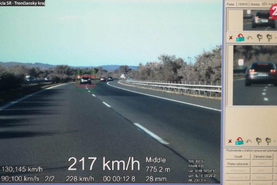 Diaľniční policajti namerali počas jednej služby 3 vodičov s vysokou rýchlosťou