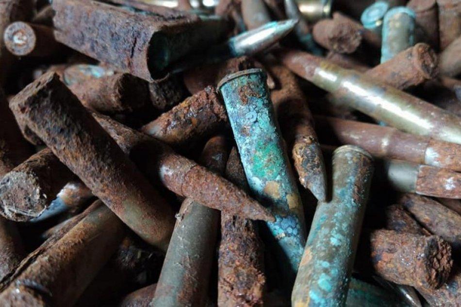Pri upratovaní našiel starú muníciu: Zasahovať musel pyrotechnik, FOTO