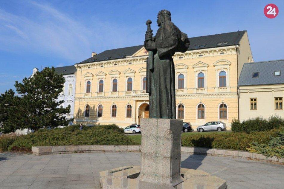 Záhada Pribinovej sochy odhalená: Z miesta nikdy nezmizla, išlo o hoax