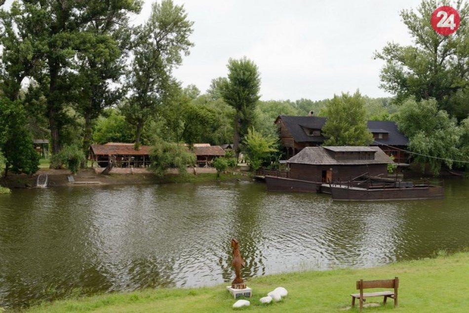 Vodný mlyn v Kolárove patrí k posledným plávajúcim vodným mlynom na Slovensku