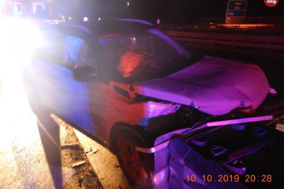 Nehoda na zjazde z R1: Vodička dostala šmyk a narazila do zvodidiel, FOTO