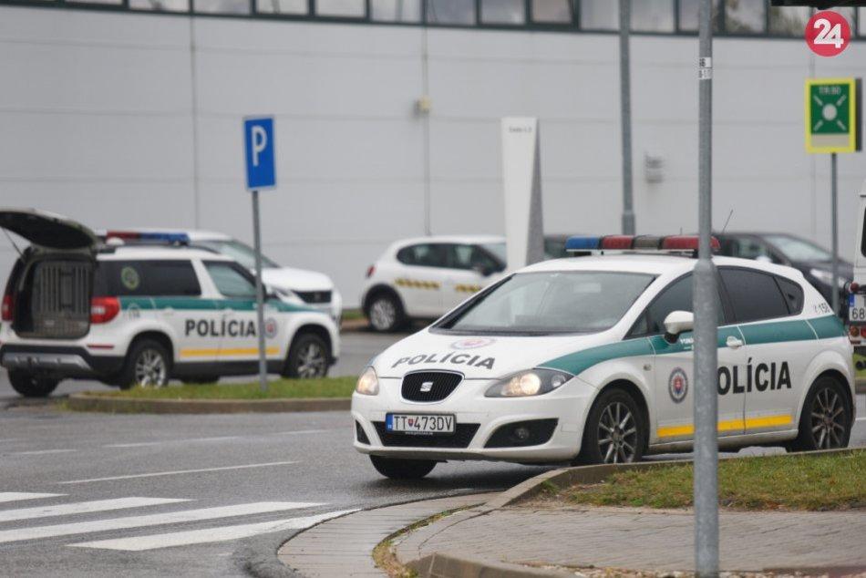 Pre nahlásenú bombu evakuovali trnavskú automobilku