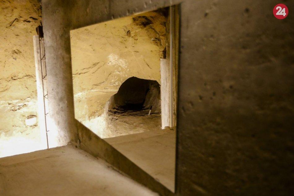 Sprístupnili útekový tunel pod Berlínskym múrom