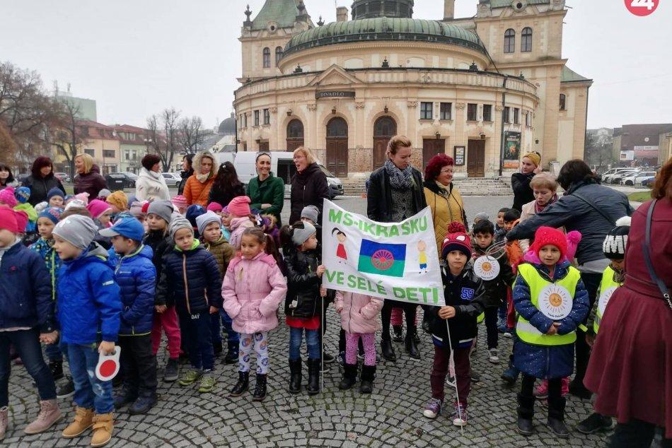 OBRAZOM: Deti zo Spišskonovoveských materských  škôl oslavovali