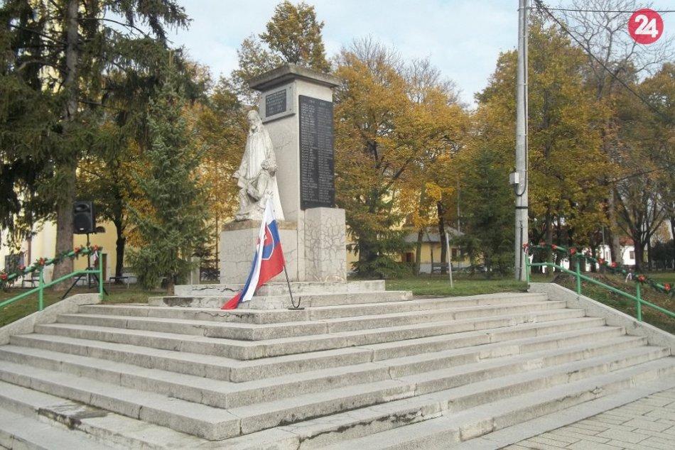Šaľania sa zišli pri Pamätníku obetiam vojen: Deň veteránov, FOTO