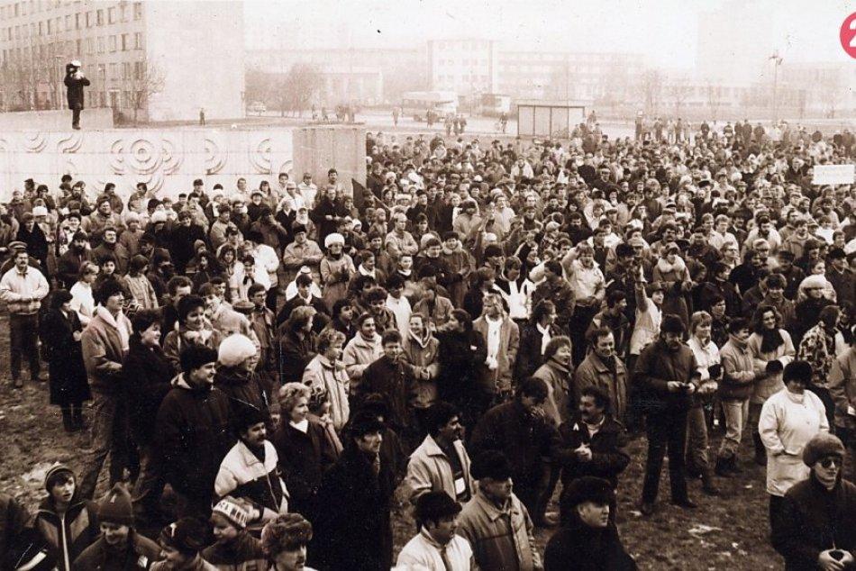 Nežná revolúcia ´89 v Šali: AKO o nej písala dobová tlač? FOTO