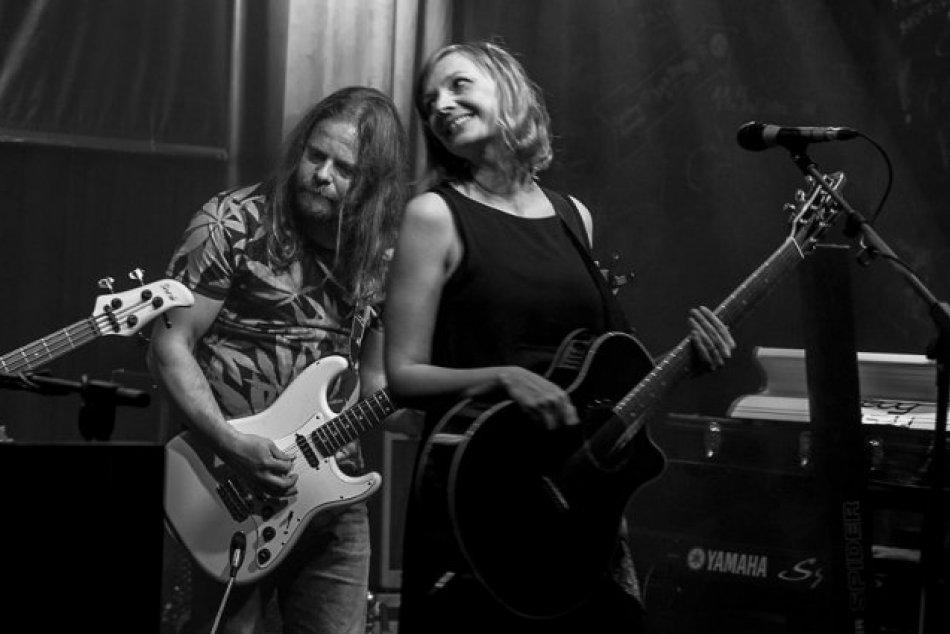 Veľký návrat nitrianskej kapely: Alalya po rokoch prichádza s novou piesňou