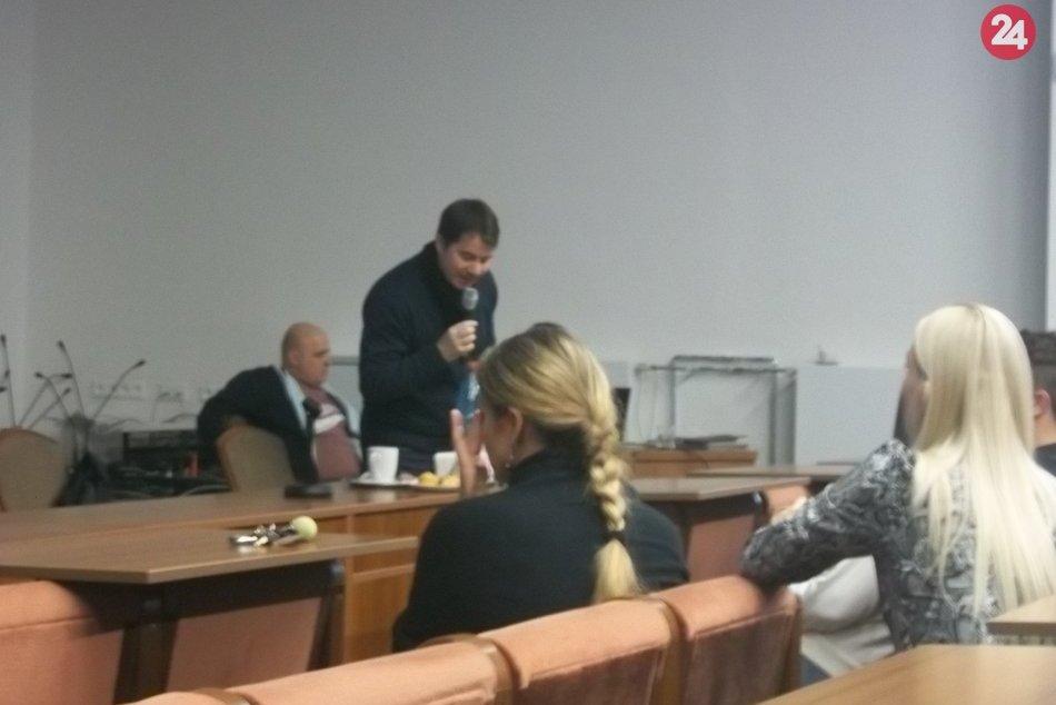 Týždeň slobody v Šali: Študenti si vypočuli Patrika Dubovského, FOTO