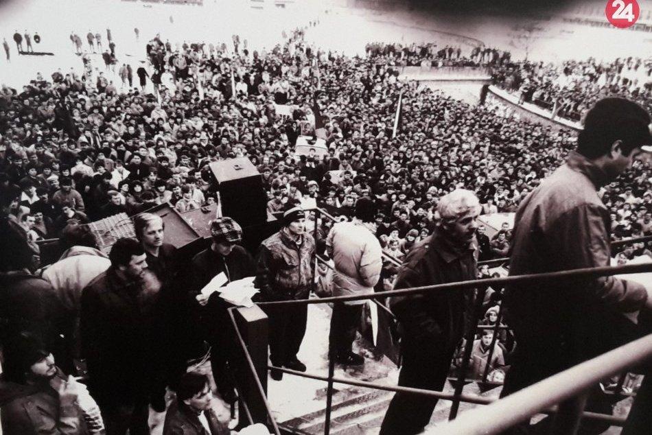 Nežná revolúcia v Považskej Bystrici: Takto to u nás vyzeralo v roku 1989