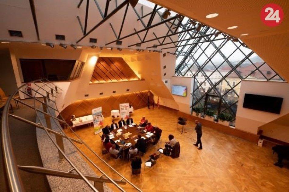 V OBRAZOCH: Bystrica sa pripravuje na EYOF 2021