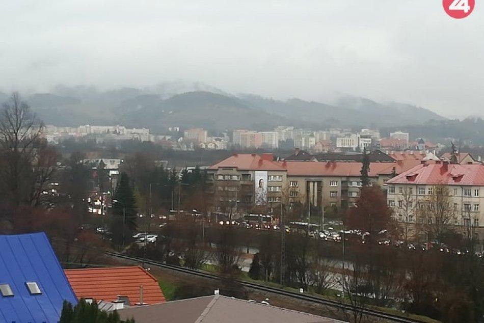 V OBRAZOCH: Pre rannú dopravnú nehodu sa v Bystrici tvoria kolóny
